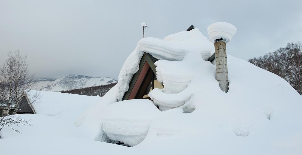 hirafu-izumikyo-buried-house-2012-02-20